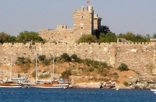 bodrum-castle-by-day