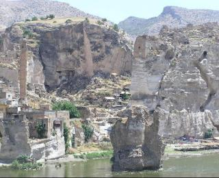 z3138276-travel_picture-hasankeyf