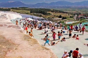 pamukkale_-_cotton_castle