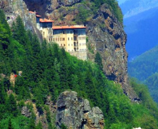 trabzon-sumela-manastiri